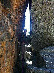 uscita dal crepaccio roccioso