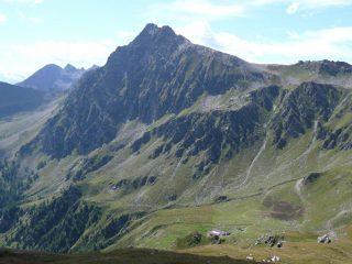 L'imponente montagna dalla Costa Champorher