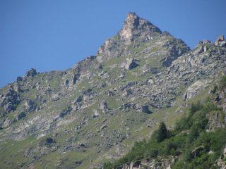 Il Becco dell'Alpetto visto da fondovalle