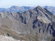 03 - dalla cima dettaglio Bric Bucie e Lago Verde