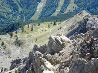 Sbocco del sentiero del bosco e accesso alla cresta