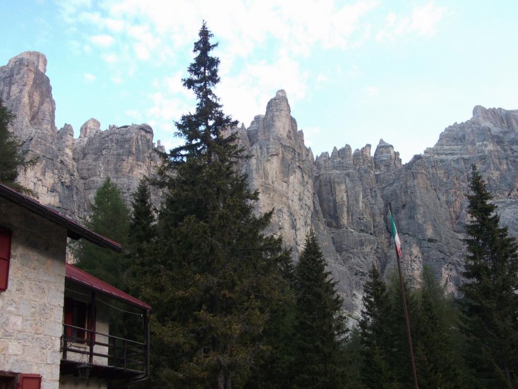 Civetta (Giro del Gruppo del) da Palafera per i Rifugi Coldai, Vazzoler, Tissi 2011-09-02