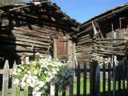 architettura tradizionale a lillaz (prima che la smontino per cementificare)