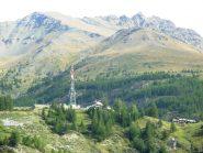 vista della zona dal prato di s.orso; la cima è quella arrotondata a destra;