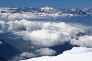 Champoluc sotto le nuvole e il Granpa sopra!