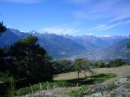 panorama sulla valle centrale  e le vette circostanti..,..