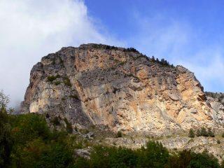 la parete di Ponteil, la via si snoda sul lato destro della parete