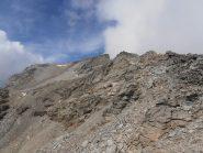 16 - Dal colle vista sull'anticima della Rocca d'Ambin e sui ghiaioni da risalire lato francese