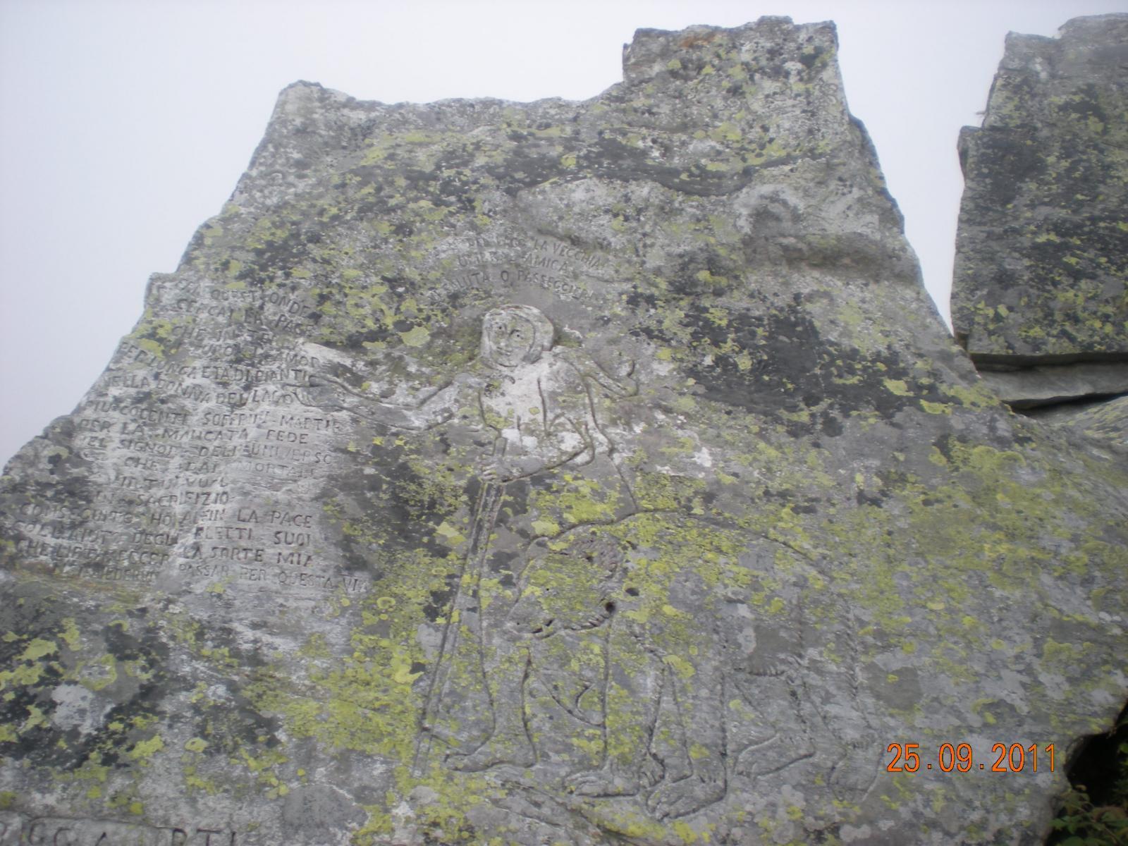 l'incisione rupestre della leggenda della Vecchia e dell'Orso