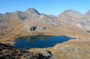 Lago Miserin e rifugio.