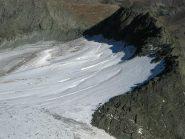 Sul ghiacciaio d'Arnas alpinisti si dirigono su punta Maria