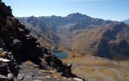 La ripida discesa verso i laghi  di Fenetre.