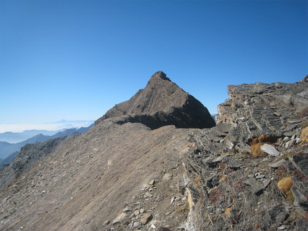 Tutta la cresta da percorrere vista dalla Beccher