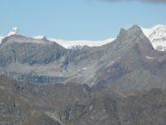 Spunta il Cervino dietro Punta Pinter e Testa Grigia