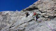 Valerio, Davide e Claudio impegnati nella placca iniziale della via normale (9-10-2011)