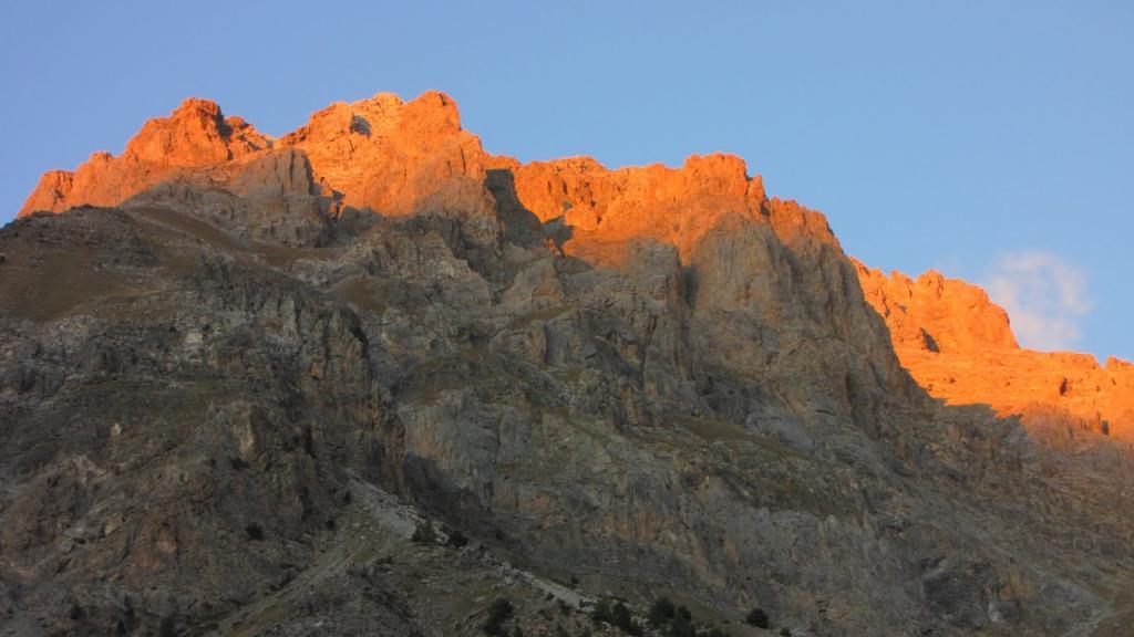 le prime luci del sole sui Rochers de Saint Ours (9-10-2011)