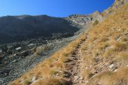 salendo verso il bivio di quota 2300 m. (15-10-2011)