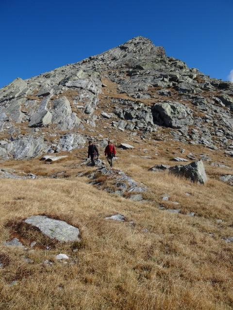 Lazoney/Lazouney (Punta) da Niel, anello per Laghi dei Tre Vescovi 2011-10-20
