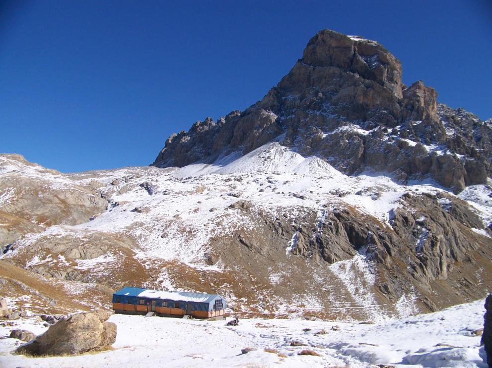 rifugio e monte Chambeyron