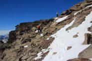 Luciano e Maria Carla nel traverso che porta al colletto di quota 2933 m. (30-10-2011)