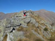 Salendo verso la Rocca Lunga