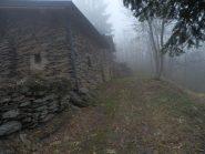 Subito dopo il Santuario, casa in pietra