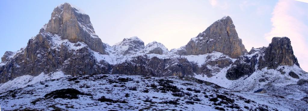 Panoraica sulle cime che coronano il rifugio