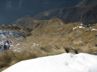 In basso, in primo piano, l'Alpe Binej