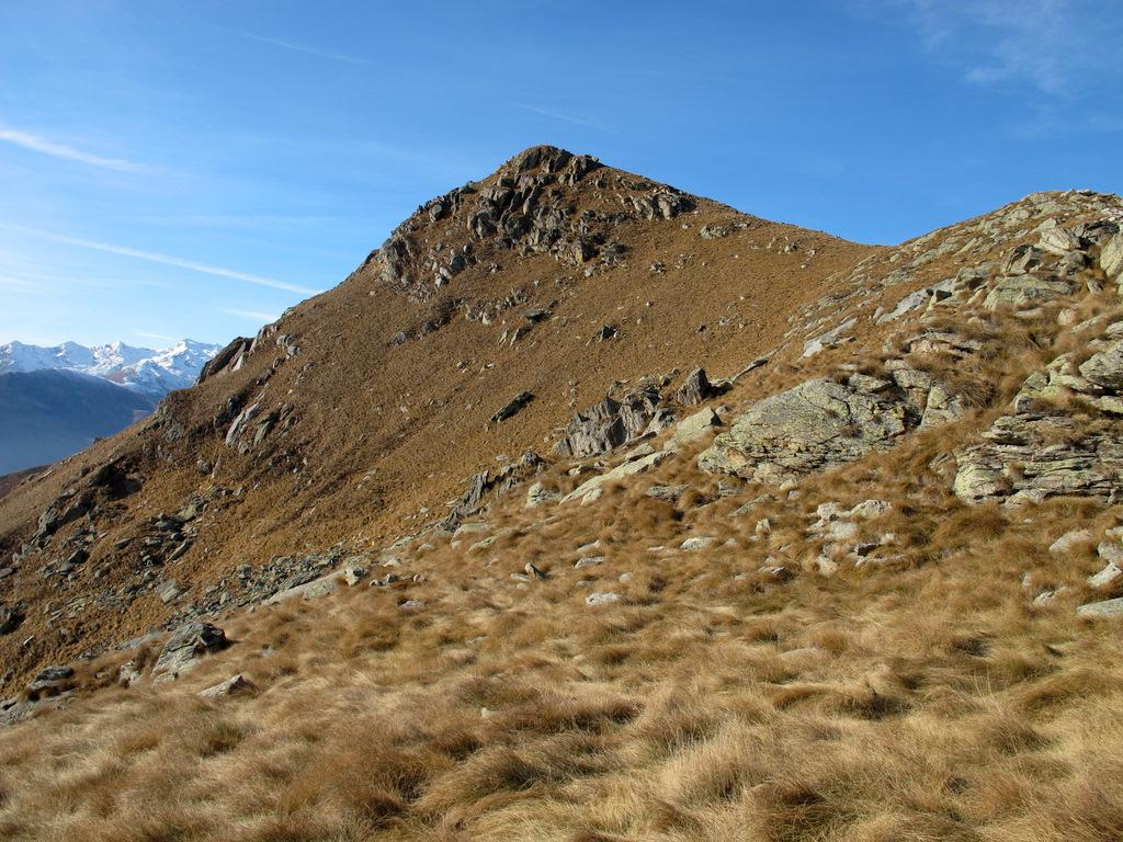 Monte Gregorio scendendo verso le Colme