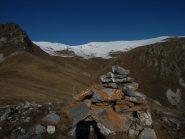 dalla Rocca la Croce, vista sulla Valle del Saut. In centro il Grumet, a dx il Passo di Magnana