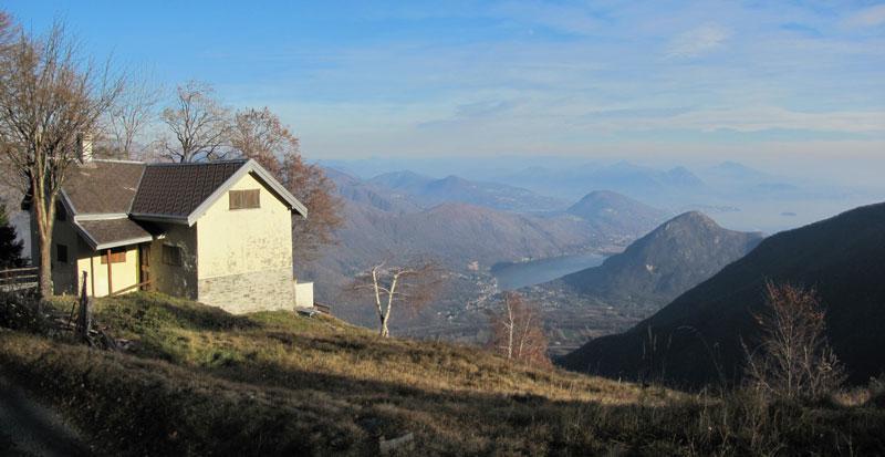 Perona Brusa (Rifugio) dal Santuario del Boden 2011-12-04