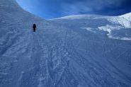 salendo verso il colle posto tra il Monte Dondena e il Mont Rascias (4-12-2011)