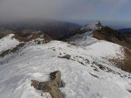 03 - sguardo indietro verso il colle di Pian Fuim e la Rocca Moross