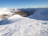 Da quota 2628 m in basso a sinistra si vede il monte Dondena con i suoi tralicci