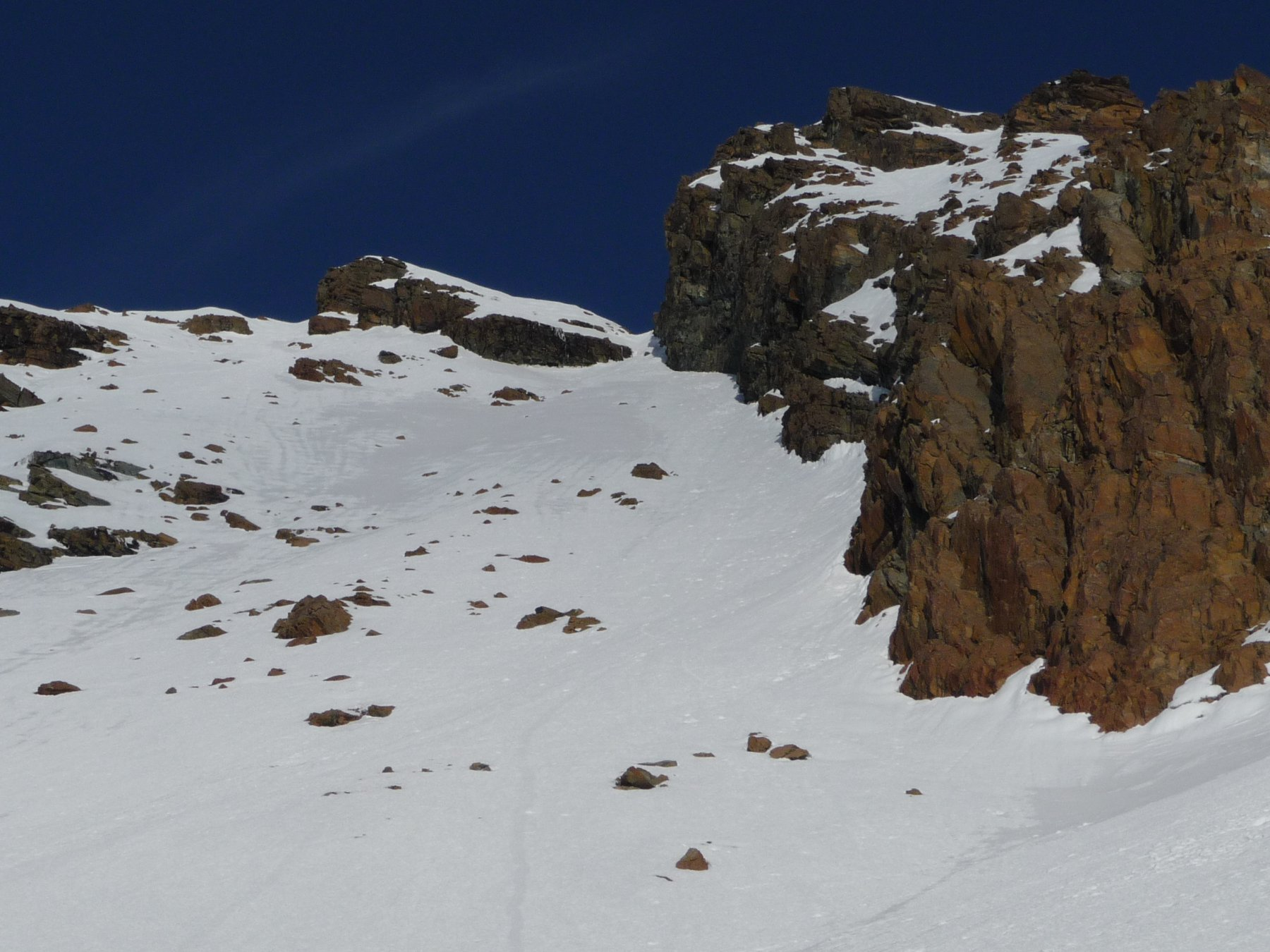 il pendio sud tra le due cime del Rocciavré