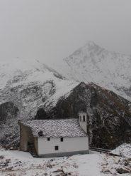 03 - Santuario del Ciavanis e Bellavarda sullo sfondo