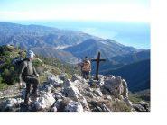 Ale e Paolo in vetta al Grammondo con vista mare