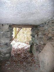Camera sotto una grossa balma