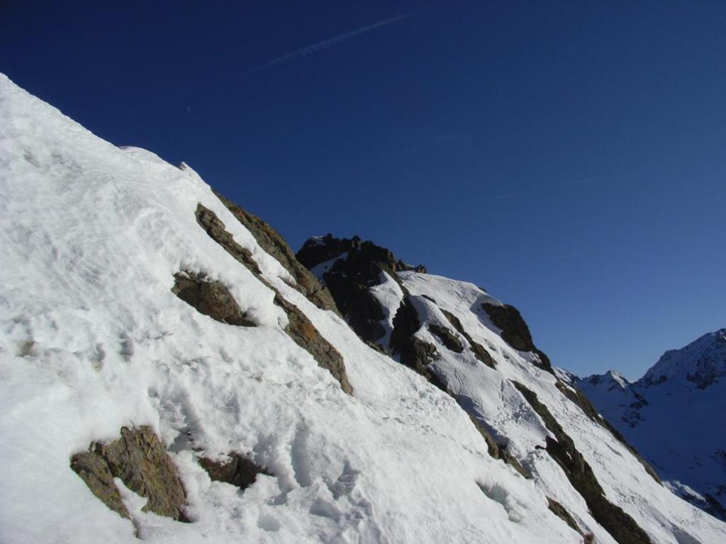 la cima di Rocca Barbis all'uscita dal couloir