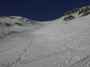 Il pendio scialpinistico dal ripiano superiore che ho fatto in discesa.