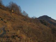 il Tagliarè visto salendo lungo la forestale che porta al Gias