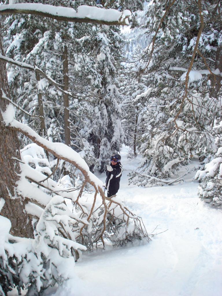 Roberto semisommerso dalla neve