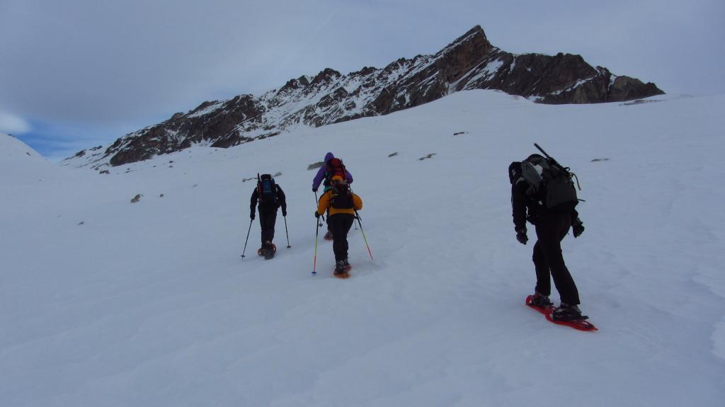 salendo nella parte alta del Vallone del Maurin...in lotta con il vento ! (7-1-2012)