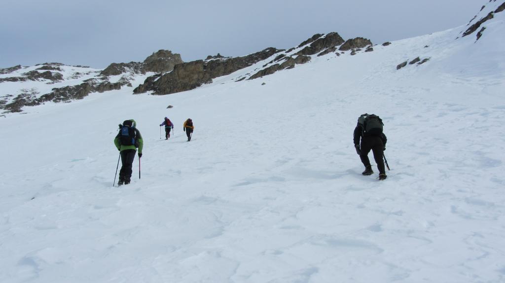risalendo il pendio-canale del versante Sud della Cialancion...01 (7-1-2012)