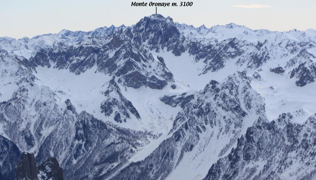 panorami osservati dalla cima...03 (7-1-2012)