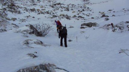 i miei amici in salita verso le Grange Collet (7-1-2012)