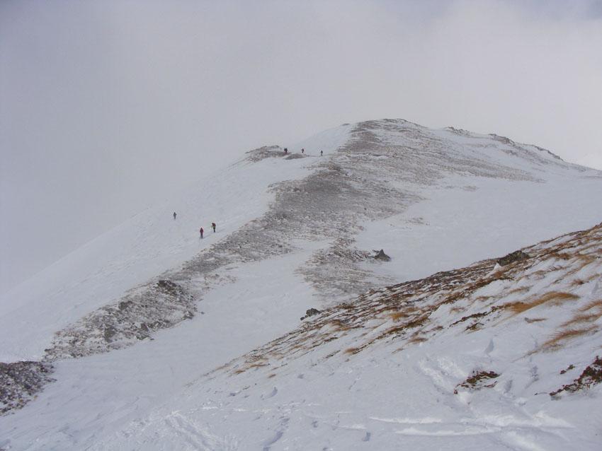 sulla cresta finale con poca neve