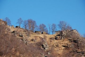 Laouzas visto da Ceresarea (zoom)