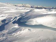 Altra cornice di neve nell'altopiano a Sud del Monte Rascias