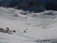Scialpinisti alle prese con la rampa
